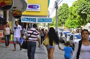 centro-de-joao-pessoa-pedestres-comercio-foto-jose-lins-4