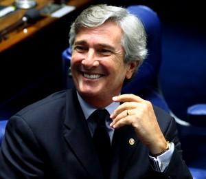 SENADO90 - BSB - SENADO SALARIO MINIMO - 23/02/2011  - NACIONAL - O senador Fernando Collor durante sessao de votacao do reajuste do salario minimo para 545 reais.     FOTO: CELSO JUNIOR/AE
