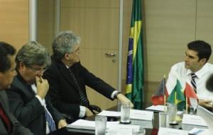 Ricardo-Coutinho-e-Jo-o-Azevedo-com-o-ministro-H-lder-Barbalho